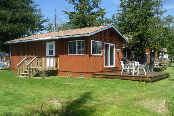 Mn cabin rentals two bedroom lakefront cabin bemidji mn for Cabins for rent in minnesota